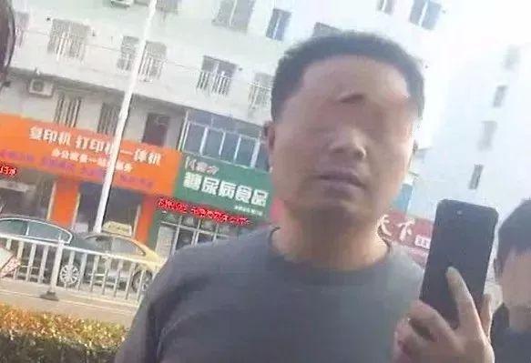 """嚣张!南通海门一男子妨碍交警执法,扬言.......""""我就敢打你"""""""