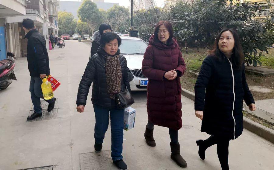 南通长城医院春节前夜慰劳贫穷家庭