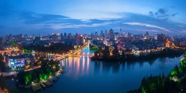 """凶猛了!南通的""""江海风景""""在上海""""卖出""""220亿!"""